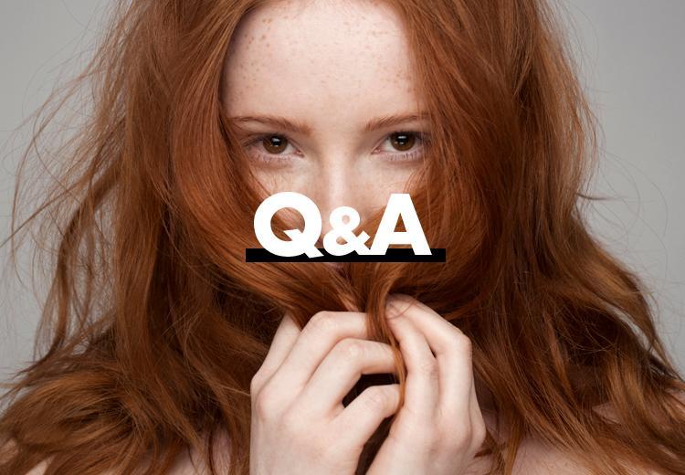 Welke tinten kleding staan mooi bij een rode haarkleur?