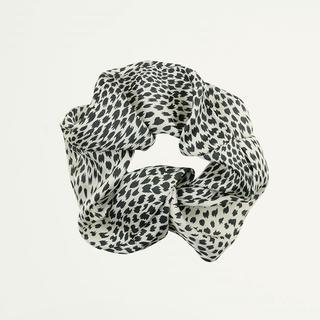 Zwart & wit geprinte scrunchie
