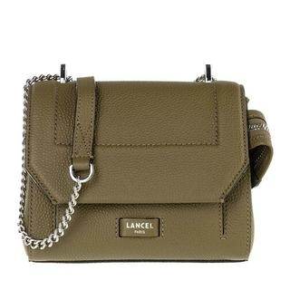 Crossbody bags - Ninon Grained Leather Flap Bag Small in groen voor dames