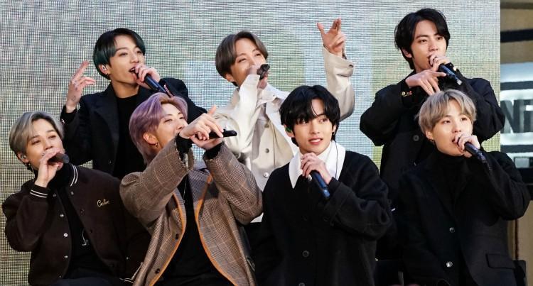 Yay! K-popgroep BTS treedt op tijdens MTV Awards