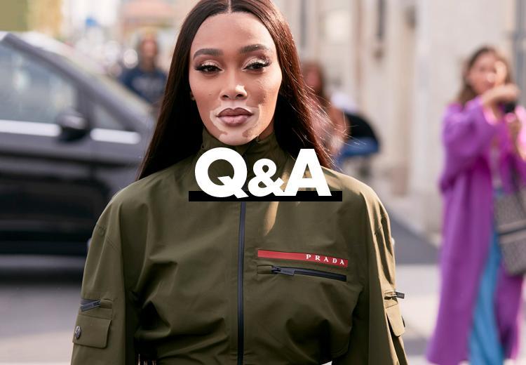 Welke kleding staat mooi bij brede schouders?