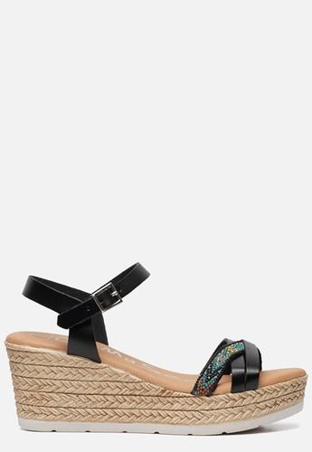 10 euro korting op alle sandalen bij Ziengs Fashionchick.nl