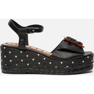 Laramie sandalen met sleehak zwart