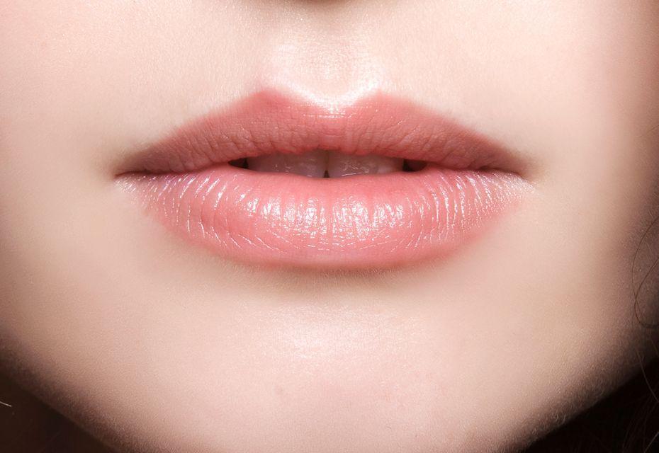 Lippen met een hoekige cupidoboog