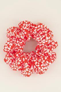 Rode scrunchie bloemetjes