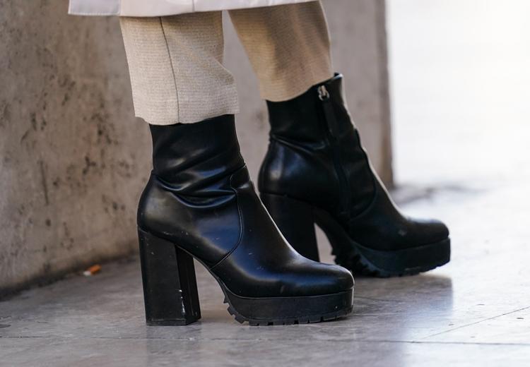 Door deze schoenentrend lijken je benen langer