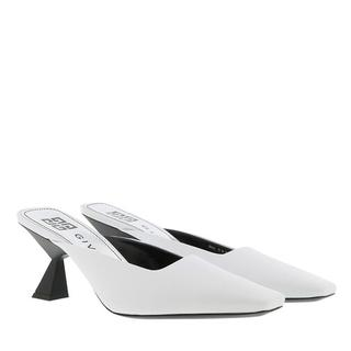 Slippers - Asymmetrical Heeled Mules Leather in wit voor dames