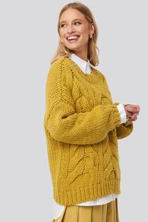 Wool Blend Round Neck Heavy Knitted Cable Sweater