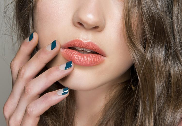 Deze kleuren lippenstift passen bij jouw stijl