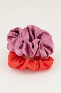 Paarse en rode scrunchie set glimmend
