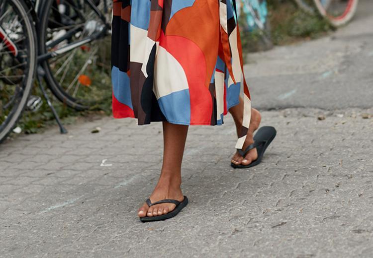 5x waarom je beter geen teenslippers kunt dragen