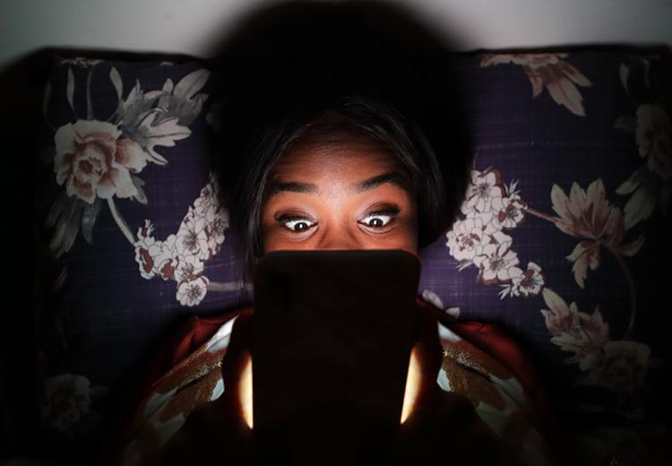 Wat is blauw licht (en heeft het effect op je huid)?