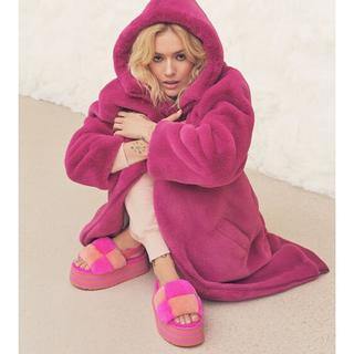 Koko Oversized Faux Fur Jas voor Dames in Fuchsia