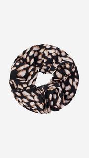 Zwarte scrunchie met luipaardprint
