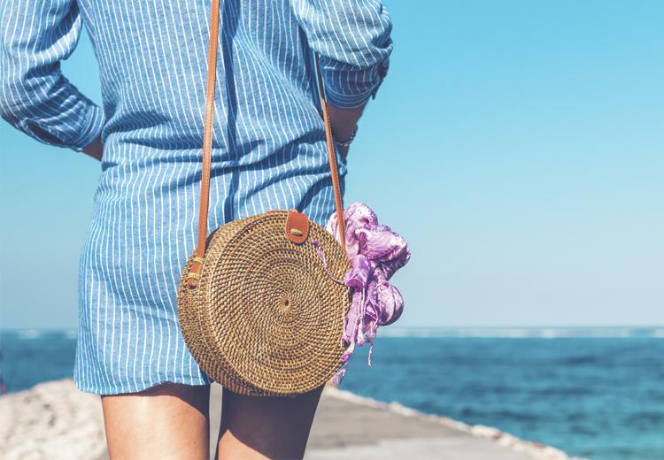 De rieten tas: de tas voor dit seizoen