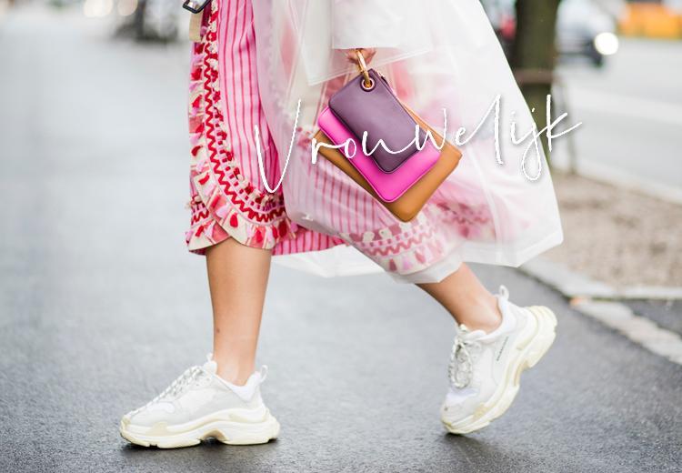 3 manieren om sneakers romantisch te dragen