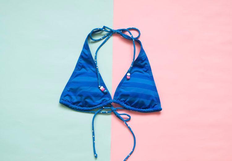 Je bikini ondersteboven dragen is volgens Instagram dé trend