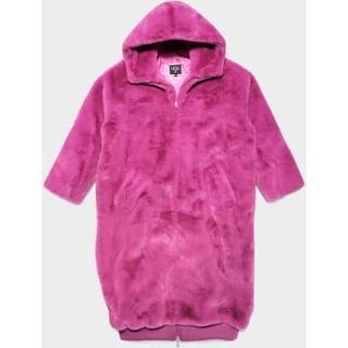 Koko Oversized Faux Fur Jas voor Dames in Fuchsia, maat XS/S