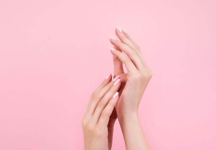 Zo verwijder je zelfbruiner van je handen