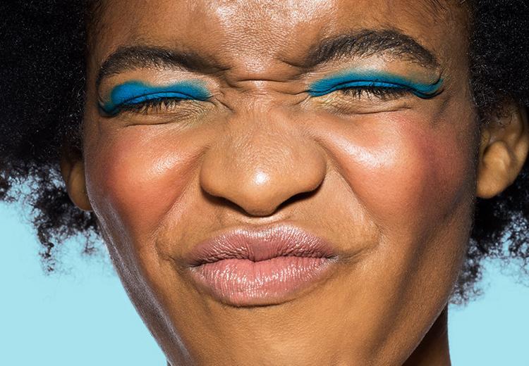 Bizar: zo zet je voortaan een strakke eyeliner
